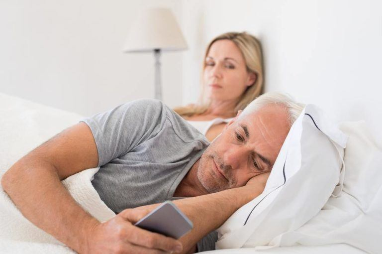 signs your husband doesn't love you
